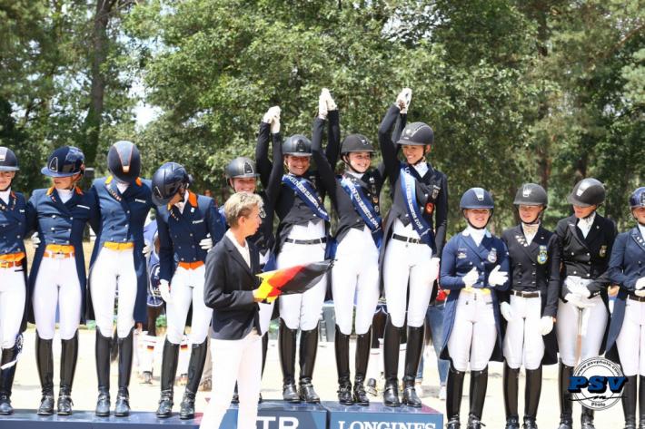 Le podium des Jeunes Cavaliers du dressage à Fontainebleau (Crédit photo: FTB2018/PSV)