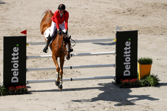 Jos Verlooy avec Igor lors du championnat d'Europe (Photo : Dean Mouhtaropoulos/Getty Images for FEI)