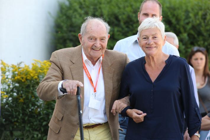 Pol Mertens, ici accompagné de son épouse, Christiane Duchêne, s'est éteint ce 17 décembre (Crédit photo : www.tempsdeposes.be)