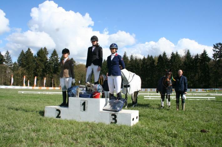 Le podium du CIC 2 étoiles (Crédit photo : L'équimag)