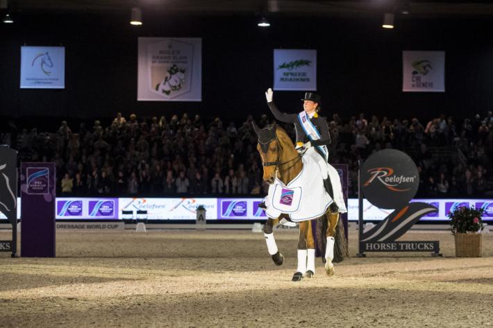 Isabell Werth et Emilio célèbrent leur victoire aux Pays-Bas (Crédit photo: FEI/DigiShots)