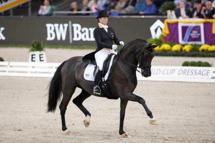 Isabell Werth et Weihegold toujours en tête du classement mondial (Crédit photo: FEI/Stefan Lafrentz)