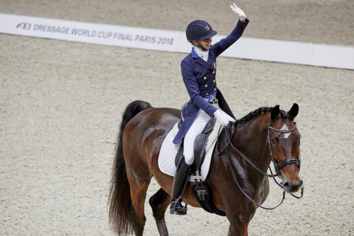 Laura Graves et Verdades, vainqueurs du Grand Prix à Bercy (Crédit photo: FEI/Liz Gregg)