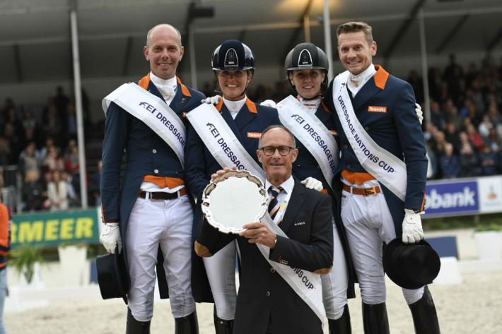 Les Néerlandais sur la plus haute marche du podium du CDIO 5* de Rotterdam (Crédit photo: Chio.nl)