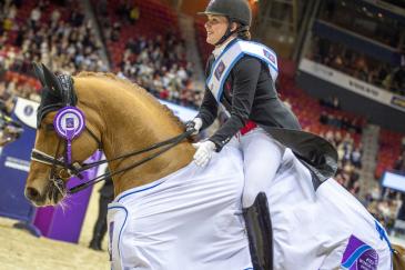 Cathrine Dufour et Cassidy lors du tour d'honneur à Göteborg (Crédit photo: FEI/Arnd Bronkhorst)