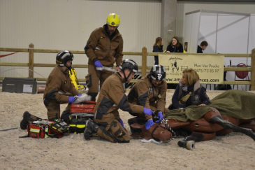 Une impressionnante simulation d'intervention des pompiers vétérinaires. (Crédit : G.Colinet)