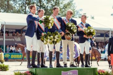 L'équipe suédoise (Crédit photo :  FEI/Christophe Tanière)