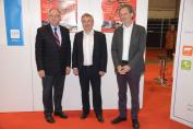 Le Ministre wallon René Collin entouré du Dr Marc Pierson (CWBC) et de Benoit Dallemagne (WindBag Sprl)