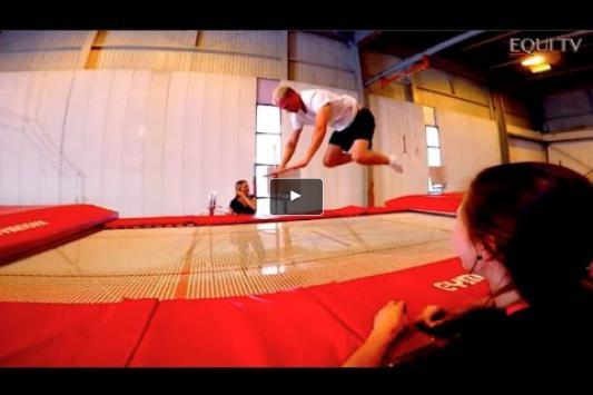 Embedded thumbnail for L'importance de l'entrainement physique avec les cavaliers de la LEWB